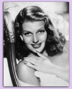 Rita Hayworth was one of the most glamorous actresses in cinema history, but as well as having a beautiful face and body she was an extremely talented dancer. Vintage Hollywood, Hollywood Glamour, Hollywood Stars, Classic Hollywood, Hollywood Icons, Hollywood Divas, Rita Hayworth, Beautiful Celebrities, Beautiful Actresses