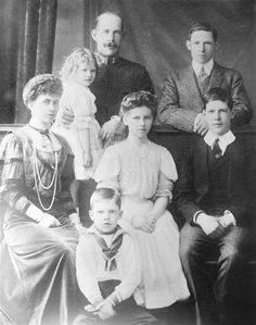 King Constantine I and Queen Sophie of Greece (nee Princess Sophia of Prussia) and children. Princess Katherine, Princess Sophia, Prince And Princess, Adele, Prince Paul, King George Ii, Greek Royalty, Greek Royal Family, Queen Sophia
