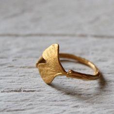 Brand new 14k ginkgo leaf ring! ideal for alternative wedding ring