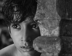 47 Of The Most Beautiful Shots In Indian Cinema Audrey Hepburn Unicef, Beautiful Black Women, Most Beautiful, Madras Cafe, Jodhaa Akbar, Satyajit Ray, Yash Raj Films, Ray Film, Movie Shots