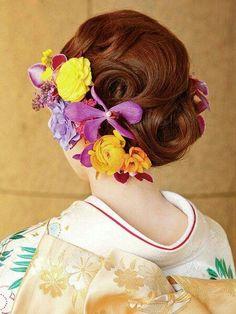 振袖、色打掛、留袖の和装ヘアセットカタログ2015の11枚目の写真 Yukata Kimono, Kimono Dress, Japanese Wedding, Wedding Hair Flowers, Wedding Veils, Flowers In Hair, Traditional Kimono, Traditional Outfits, Dress Hairstyles