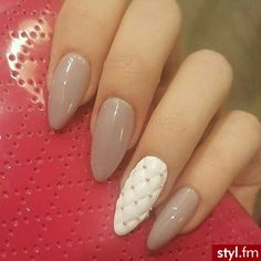 Znalezione obrazy dla zapytania piękne paznokcie migdałki