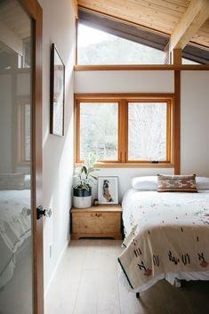 minimalist modern bedroom in malibu home. / sfgirlbybay