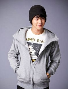 Kim Bum lookin cozy and casual. Boys Over Flowers, Korean Drama Movies, Korean Actors, Los F4, Kim Bum, Kim Sang, Cute Actors, Men's Coats And Jackets, Korean Artist