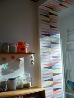 photo: wallpaper around the door frame - den Türstock tapezieren - Sonnenschein und Tapete und Küche von vero