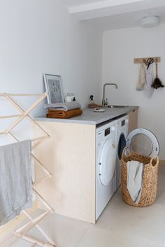 AD Utility renovation with a warm minimal Scandi look - Hege in France Laundry Appliances, Home Appliances, Old Washing Machine, Wooden Brush, Nordic Interior Design, Garage Interior, Hygge Home, Scandinavian Home, Concrete Floors