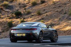 De Aston Martin DB11 is vermoedelijk het slechtstbewaarde geheim van de Autosalon van Genève dit jaar, maar hier is-ie dan officieel.