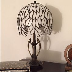Size: • Height 38 cm (15) • Diameter of shade 21 cm (8,3) • Amount of glass pieces: 168 Main style of the lamp: Willow lamp. round lampshade made of