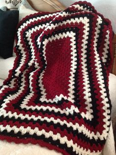 Rectangle granny square afghan