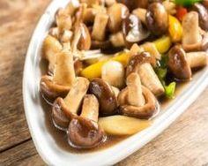 Fricassée de navets aux champignons des bois : http://www.cuisineaz.com/recettes/fricassee-de-navets-aux-champignons-des-bois-33141.aspx