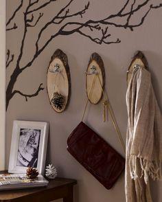 DIY Academy: Garderobe aus Baumscheiben
