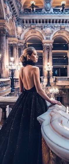so classy at the Opéra Garnier, Paris 🤩 Cheers Epicureans! Trendy Dresses, Casual Dresses, Formal Dresses, Excuse Moi, Luxury Couple, Luxury Lifestyle Fashion, New Years Eve Weddings, Enchanted Evening, Black Tie Affair