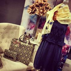 #Mandarinahome #mandarina #vestido #biombo #foular #bolso #flor #tendencia #verano #complemento #ropa #decoración #capitone #butaca #chic #regalo #casual