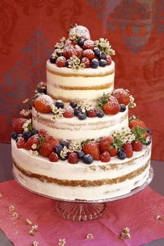Naked cake with berries - Ly Hochzeit - Cupcakes Food Cakes, Cupcake Cakes, Cool Wedding Cakes, Wedding Desserts, Berry Wedding Cake, Fruit Wedding, Diy Wedding, Bolo Nacked, Bolos Naked Cake