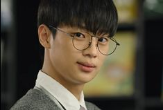 Lee Shin, Kdrama Actors, Dramas, Landing, Korean, Kpop, Boys, Baby Boys, Children