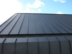 True Blue Roofing Pty Ltd have had great pleasure in completing our first residential project using the new Colorbond® MATT range in Monument. This project features Single lock standing seam on both the roofing and walling components. The Colorbond® Steel Roof Cladding, House Cladding, Metal Cladding, Wall Cladding, Steel Roofing, Tin Roofing, Roofing Shingles, Asphalt Shingles, Colorbond Roof