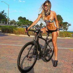 Beginner Triathlete-Novice Ironman - Do Not Expect Bike Magic - Cycling precision Road Bike Women, Bicycle Women, Bicycle Girl, Mountain Biking Women, Cycling Girls, Cycling Wear, Cycling Outfit, Women's Cycling, Cycling Clothing