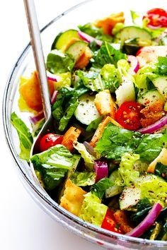 Gimme Some Oven - This classic Fattoush Salad recipe is quick and easy to make, and made with a zesty lemon dressing. Healthy Cooking, Healthy Eating, Cooking Recipes, Easy Recipes, Fatoush Salad, Gourmet Salad, Lebanese Recipes, Pasta, Recipes