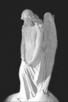 Надгробие в скульптуре