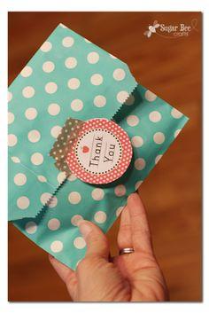 Last Day of School Ideas - Sugar Bee Crafts Polka Dot Bags, Polka Dot Paper, Teacher Appreciation Gifts, Teacher Gifts, Homemade Gifts, Diy Gifts, Teacher Treats, Michaels Craft, Bee Crafts