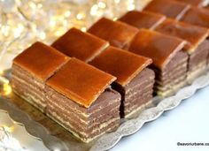 Cate foi are un Dobos? Yummy Cookies, Cake Cookies, Sweets Recipes, Cake Recipes, Guava Cake, Romanian Desserts, Food Cakes, Something Sweet, Baked Goods