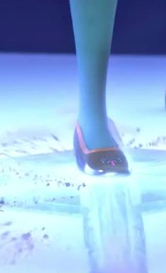 Elsa's coronation shoes. If I ever do an Elsa cosplay I'm gonna do it right.