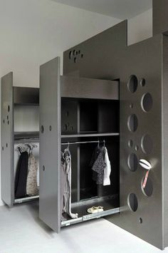 31 Best Fitted Wardrobes 23