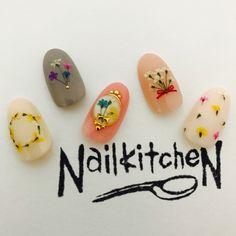 押し花ネイル いち早く春ネイルのご提案 #ピンク #ミディアム #NailkitcheN #ネイルブック
