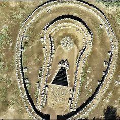 Pozzo sacro di Santa Cristina, Paulilatino (Sardegna) Ancient Tomb, Ancient Aliens, Ancient History, Sardinia Island, Sardinia Italy, Santa Cristina, Archaeological Finds, Ancient Mysteries, Moon Goddess
