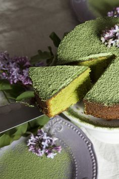 This pretty matcha pound cake is dusted with matcha for an extra matcha flavor boost! Serve at tea time with a creamy matcha latte. 'Cause you can never have too much matcha, right? Green Tea Recipes, Sweet Recipes, Cake Recipes, Dessert Recipes, Green Tea Dessert, Matcha Dessert, Cupcakes, Cupcake Cakes, Asian Desserts