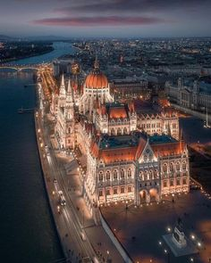 Budapest shortly after sunset [oc] - Architecture and Urban Living - Modern and Historical Buildings - City Planning - Travel Photography Destinations - Amazing Beautiful Places Wonderful Places, Beautiful Places, Beautiful Pictures, Beautiful Architecture, Beautiful Buildings, Architecture Design, Building Architecture, Budapest Travel, Budapest City