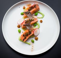 Confit Salmon Miso and Edamame. Confit Salmon Miso Garlic Butter Edamame Puree and Crispy Salmon Skin - with step-by-step pictures. Fish Recipes, Seafood Recipes, Gourmet Recipes, Cooking Recipes, Garlic Butter, Chefs, Sous Vide Cooking, Gastronomia, Recipes