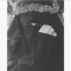 A real princess 👑 Arab Girls Hijab, Muslim Girls, Muslim Women, Muslim Couples, Hijab Niqab, Muslim Hijab, Mode Hijab, Hijabi Girl, Girl Hijab