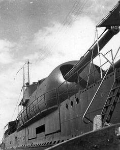 German Submarines, Navy Air Force, Naval History, Yellow Submarine, Battleship, Vintage Travel, World War Ii, Wwii, Historia