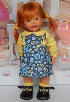 Encore à la dernière minute et manque d'inspiration... Voici quand même ma jolie petite Wichtel Lola avec sa robe à plis creux mais pas de...