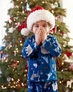 Winter Hats, Winter Jackets, Christmas Morning, Christmas Colors, Canada Goose Jackets, Colours, Fashion, Winter Coats, Moda