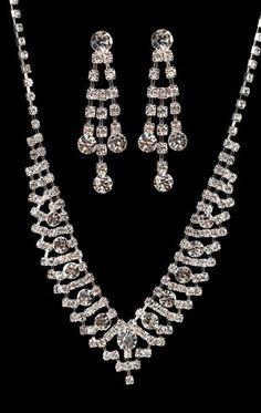 V-shape rhinestone jewelry set $6.60
