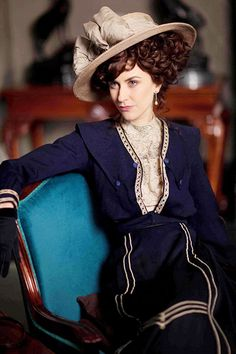 Lady Mae Loxley - Katherine Kelly in Mr Selfridge Season 1, set in 1908/1909.