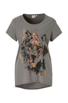 T-shirt Bekijk op http://www.grotematenwebshop.nl/product/junarose-t-shirt-5/