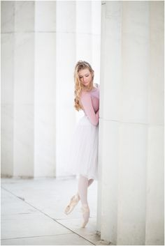 Mary Kate- a soft, romantic Washington DC ballerina session Dance Photography Poses, Dance Poses, Washington Dc, Ballet Beau, Ballet Images, Classic Portraits, Dance Pictures, Just Dance, Ballet Dancers