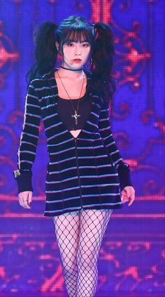 Kpop Girl Groups, Korean Girl Groups, Kpop Girls, Stage Outfits, Kpop Outfits, Seulgi, Park Sooyoung, Red Velvet Irene, Rapper
