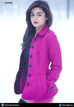 1 Alia b hatt Bollywood Girls, Bollywood Stars, Indian Bollywood, Bollywood Fashion, Beautiful Bollywood Actress, Most Beautiful Indian Actress, Beautiful Girl Indian, Indian Celebrities, Bollywood Celebrities