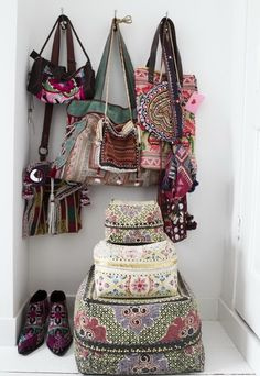 I first bought woven boxes like these in Indonesia.  They are all over southeast Asia and have such distinctive decorative styles - I have old beaded ones and hand pianted ones - These are so lovely - where are they from!