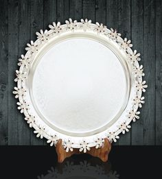 Trays with Flower Edges http://www.thedivineluxury.com/product/Trays-with-Flower-Edges.html This beautiful tray is a polished performer when it comes to entertaining.