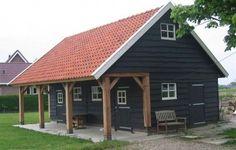 Gepotdekseld met veranda. Jaro Houtbouw is tevens gespecialiseerd in het bouwen van houten woningen, gastenverblijf, vakantiewoning, ateliers, schuren, garage`s, veranda`s, terrasoverkappingen, paardenstallen.
