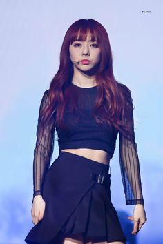 "MILKYVI on Twitter: ""190216 루나버스 비비  #이달의소녀 #LOONA #비비 #ViVi   Be my Valentine .… "" Extended Play, South Korean Girls, Korean Girl Groups, Hello My Love, Trending Photos, Olivia Hye, Sooyoung, Pastel Pink, Pop Group"