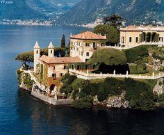 Villa del Balbianello, on Lake Como, Lombardy North Italy Places To Travel, Travel Destinations, Places To Visit, Slim Aarons, Lac Como, Lake Como Villas, Comer See, Lake Como Italy, Italian Lakes