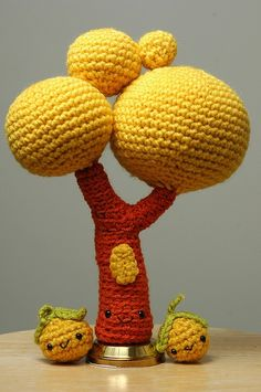 Happy tree amigurumi. @Elena Fort Chris should make you this@