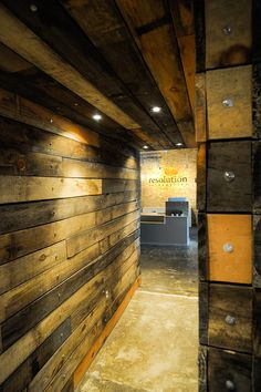 Wood wall Resolution Interactive Media Office Pictures by ReDesign