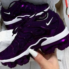 The Amazing Purple Shoes For Women's - kvinnersko Fly Shoes, Kicks Shoes, Women's Shoes, Running Shoes, Dc Shoes Men, Shoes Women, Cute Sneakers, Sneakers Nike, Souliers Nike